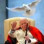 Sledovanie svätorečenia Jána Pavla II. a Jána XXIII. v kine